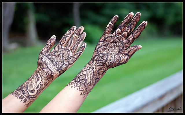 Mehndi Henna Freshly Painted Bride S Hands With Mehndi Flickr