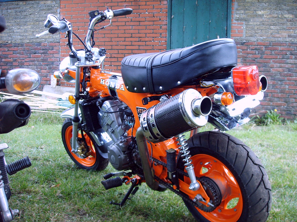 honda dax lc 150 dohc 4 valve chainguard is not on the. Black Bedroom Furniture Sets. Home Design Ideas
