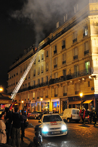 Appartment On Fire In Paris Rue Jean Du Bellay Flames Are Flickr
