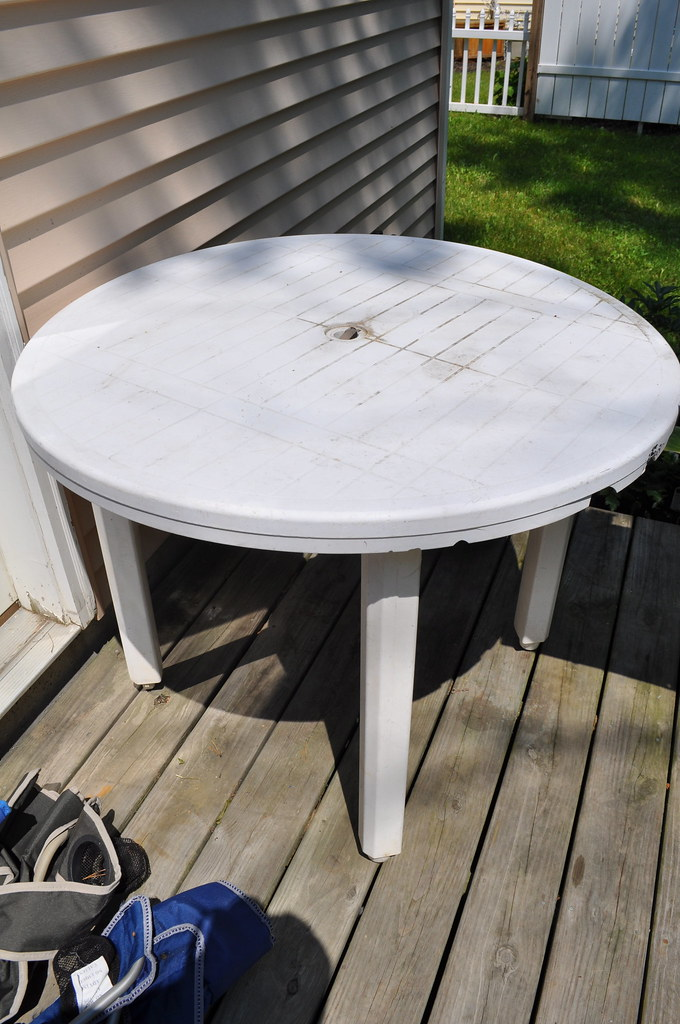 Plastic white patio table 10 one leg is slightly for White patio table