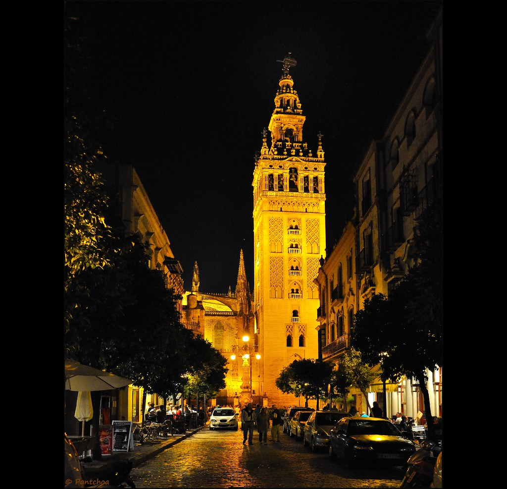 La Giralda, View From : Calle