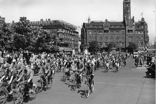 Bicycle Rush Hour Copenhagen - Summer 1950s | by Mikael Colville-Andersen