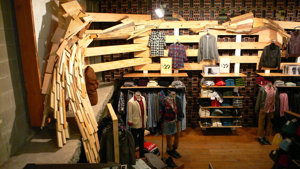 Urban outfitters new york store urban outfitters www for Interno 5 urban store