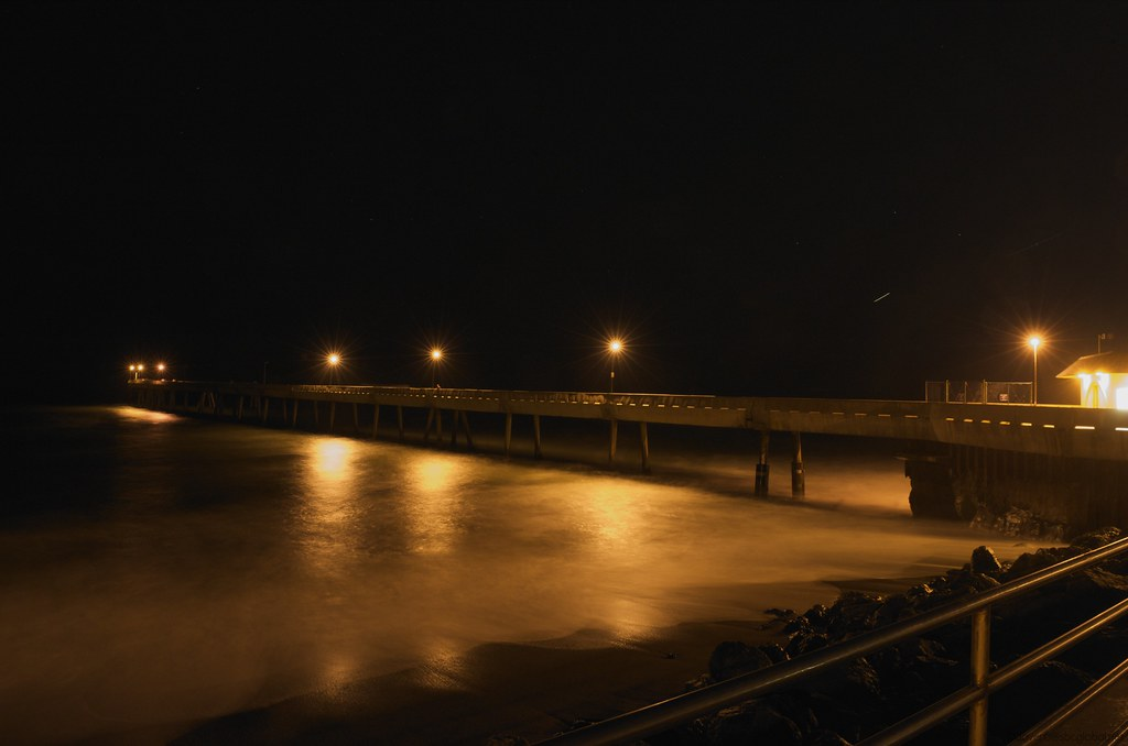 Pacifica fishing pier at night 11 2009 smooth water that for Pacifica pier fishing report