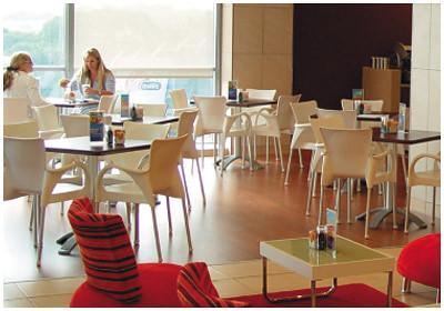 Z14 mueble inox en virgin active heron city valencia for Gimnasio heron city