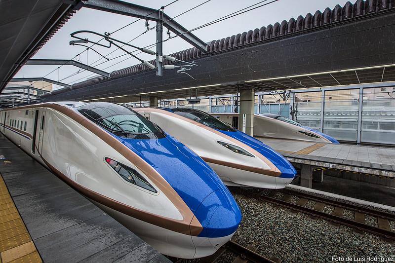Hokuriku-Shinkansen-2