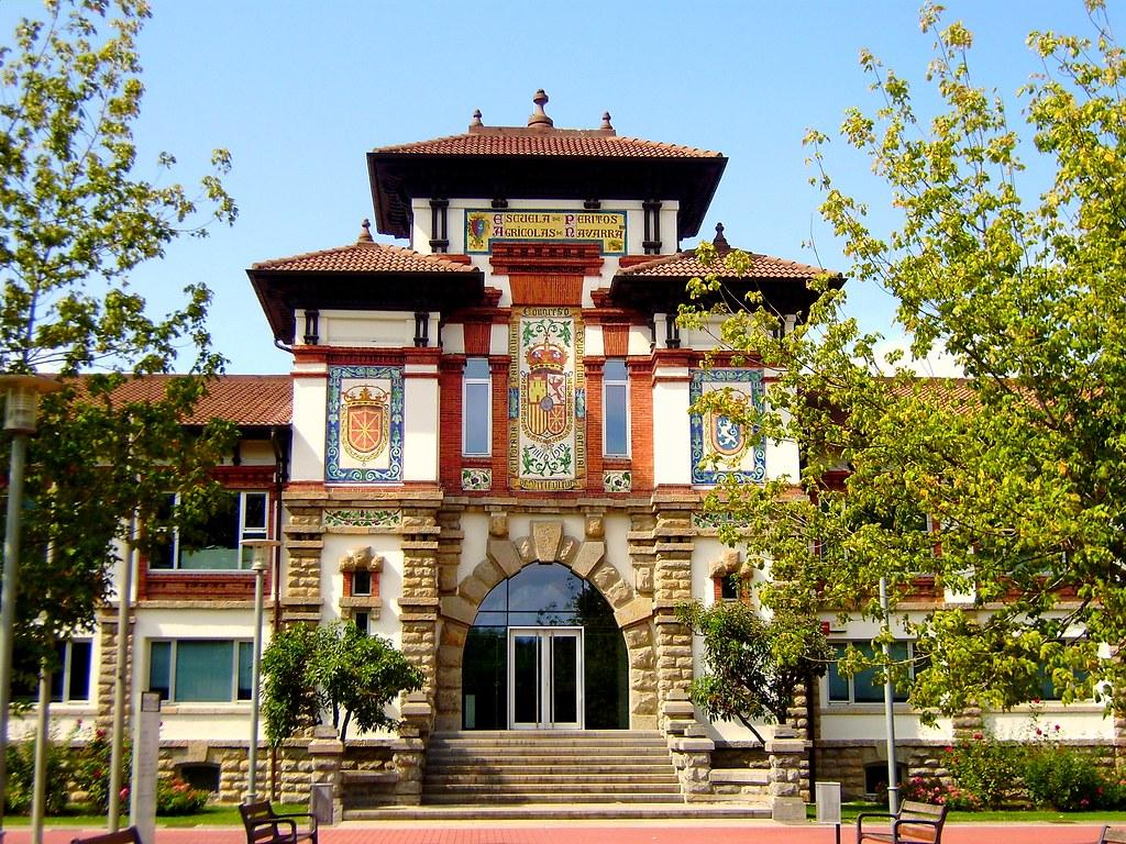 Antigua Escuela de Peritos Agrícolas, Villava, Navarra - Camino de Santiago