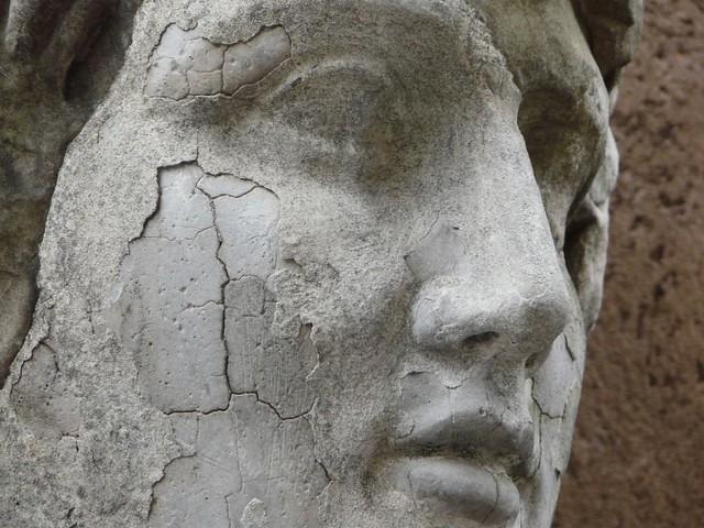 Estatua de los Museos Vaticanos de Roma (Italia)