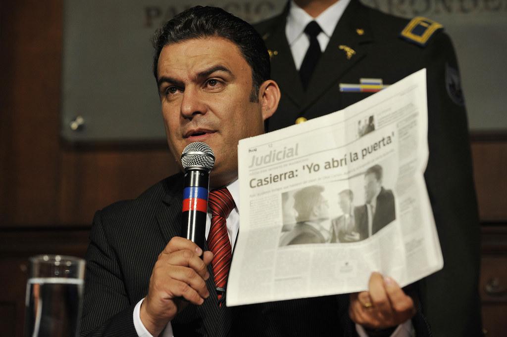 Rueda de prensa del nuevo ministro del interior quito for Nuevo ministro del interior