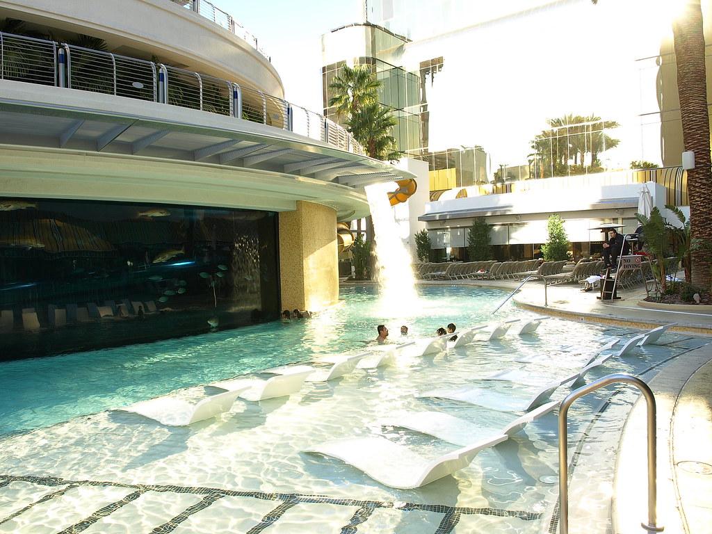 Las Vegas Golden Nugget Swimming Pool Golden Nugget 39 S Swim Flickr