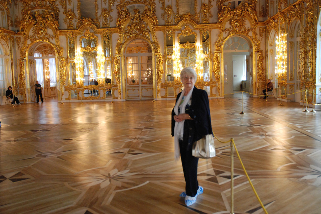 Sala grande del trono en el palacio de catalina la grande for Sala 0 palacio de la prensa