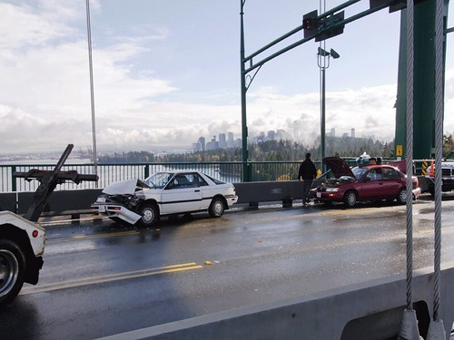 lions gate bridge; 6 car crash | this is an animated gif. to… | Flickr