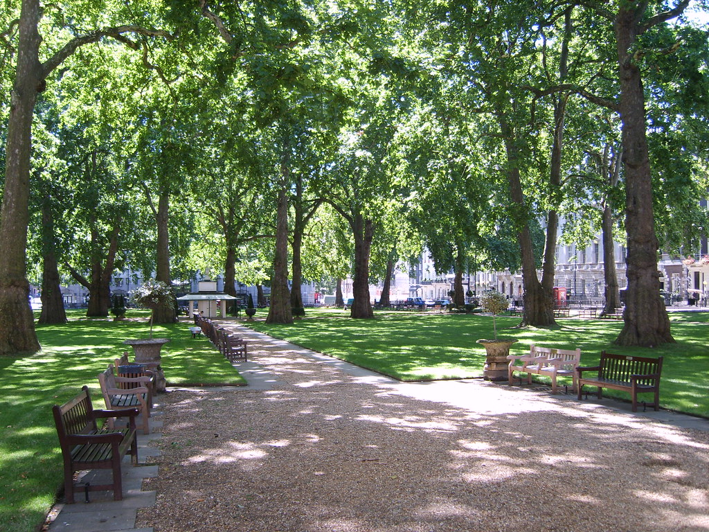 Berkeley square mayfair digimax l80 kenox x80 flickr for Olive garden union nj