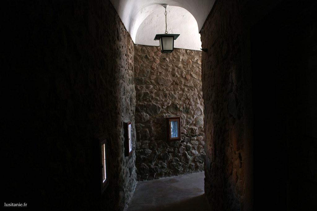 Dans les couloirs du fort