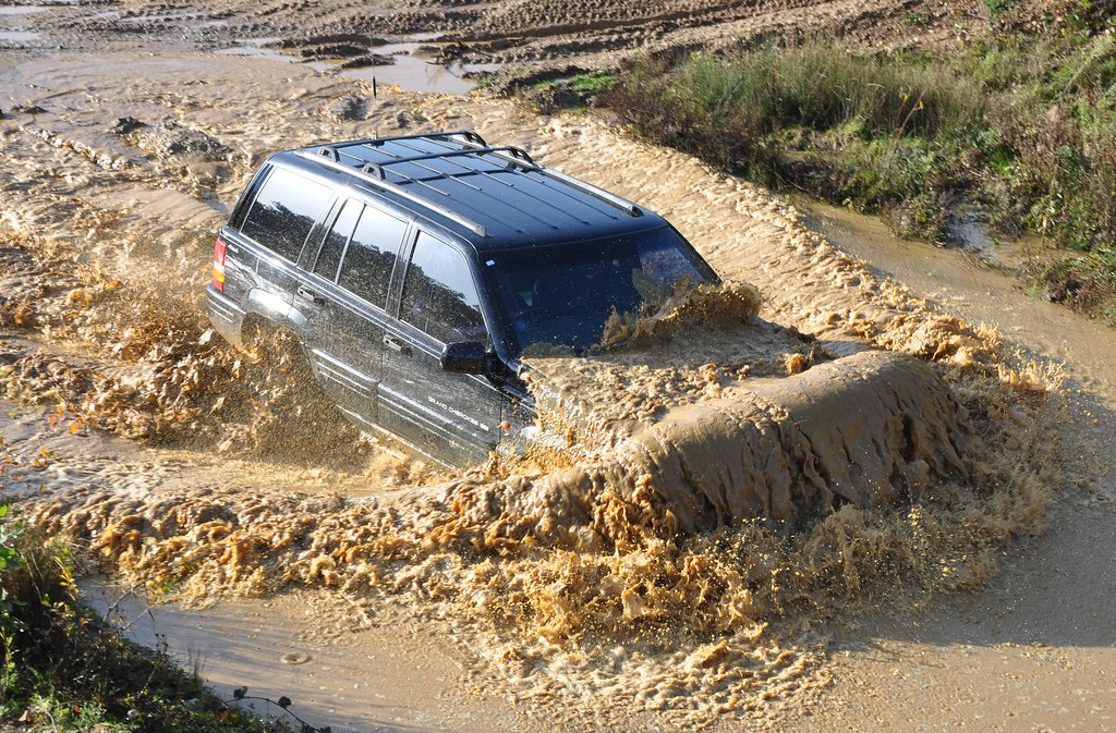 Jeep Cherokee Forum >> Dive, Dive, Sunk. Jeep Grand Cherokee going swimming   Flickr