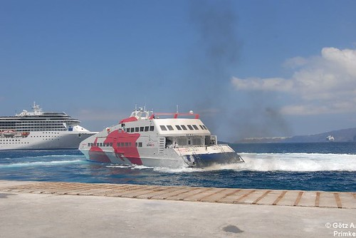 Cycladia_3_SeaJet_Ferry_Mai_2011_018