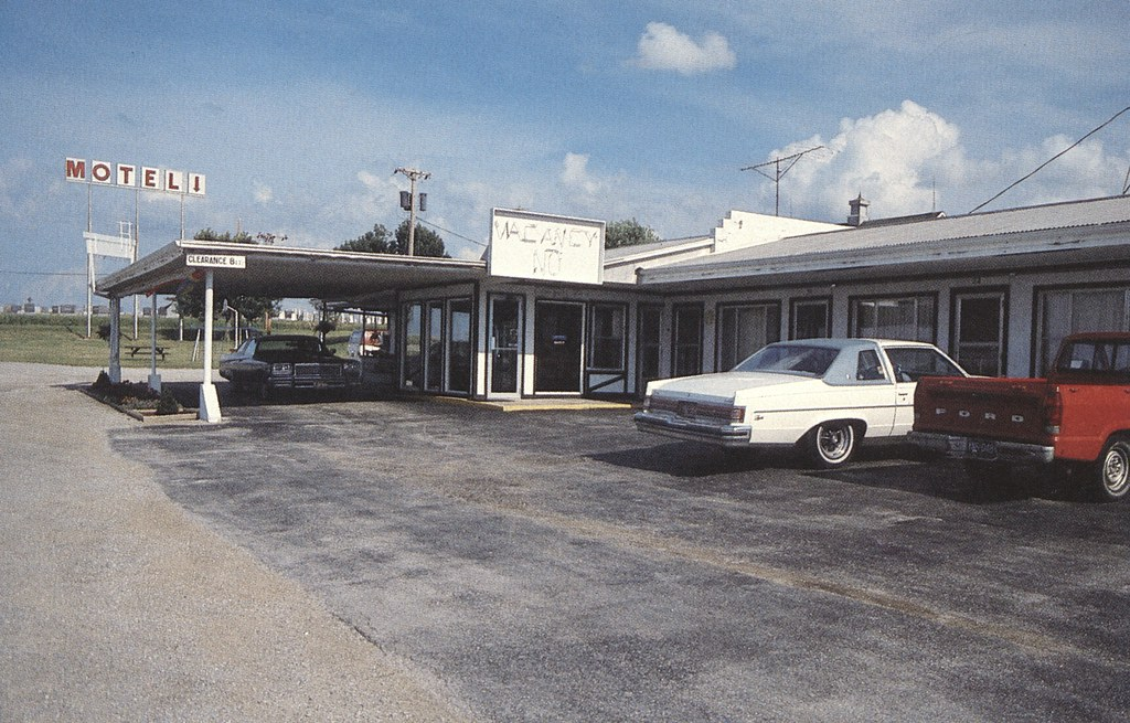 Golden Award Motel - Concordia, Missouri