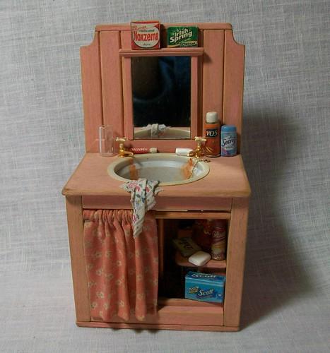 Marquis Miniatures: Miniature Bathroom Sink (1 Inch Dollhouse Scale