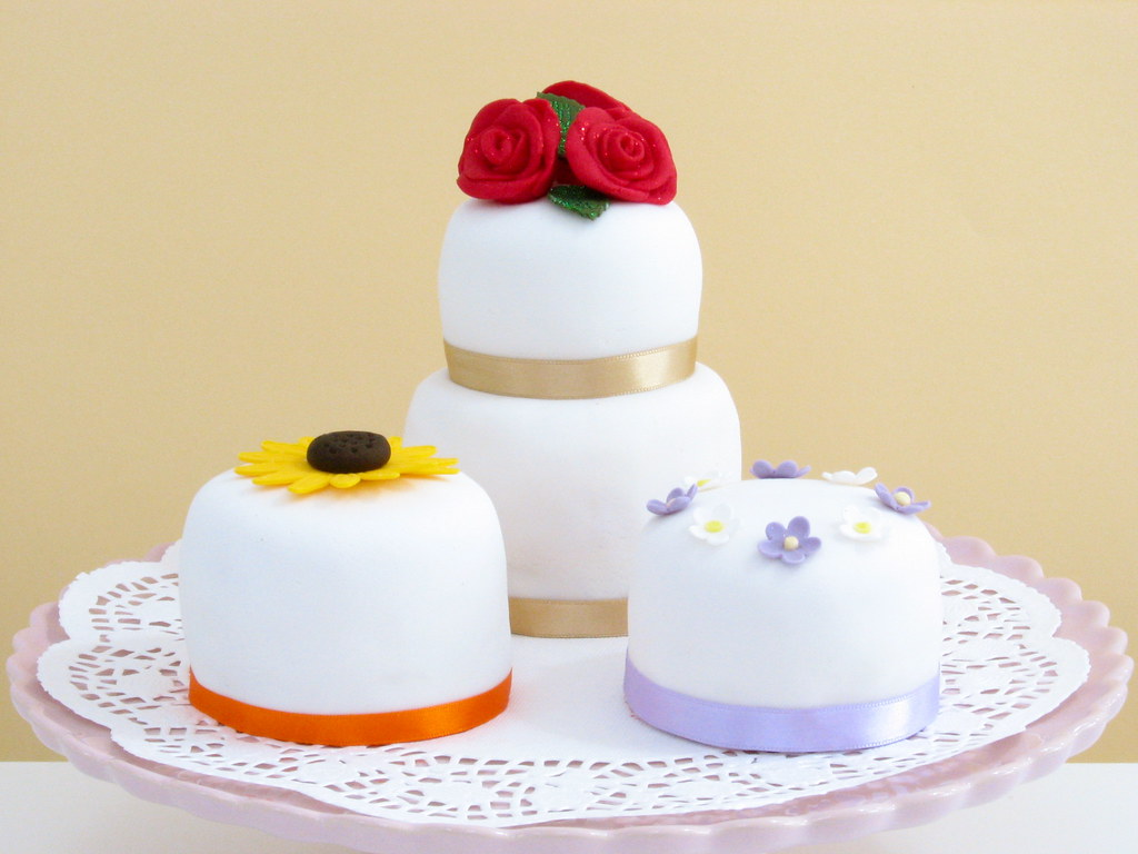 Assortment of Mini Cakes for Mum and Dad\'s Wedding Anniver… | Flickr