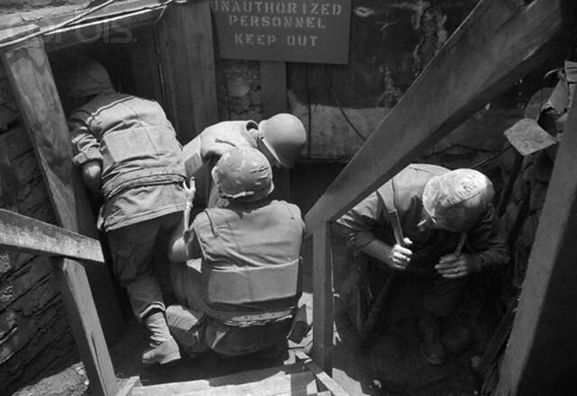Vietnam Mortar Fire : February khe sanh south vietnam