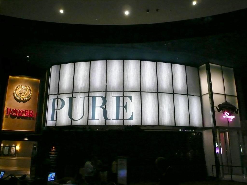 Hotel Pure White Prague Booking