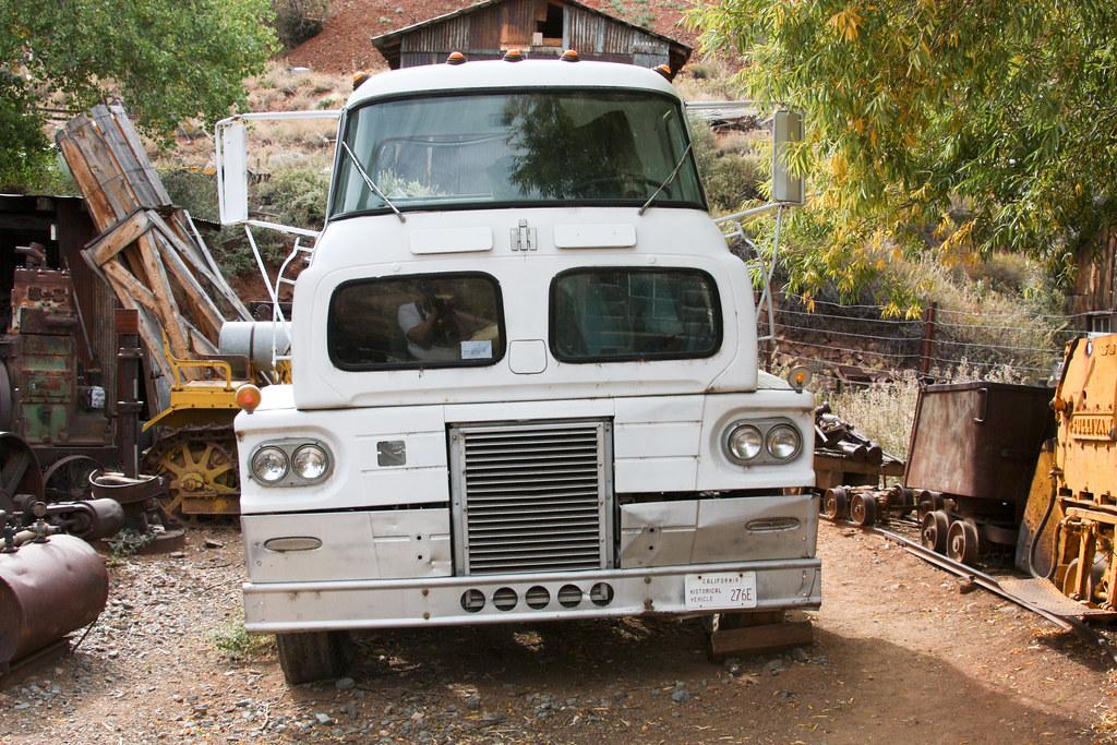 2610 1 Antique International Cabover Truck Gold King