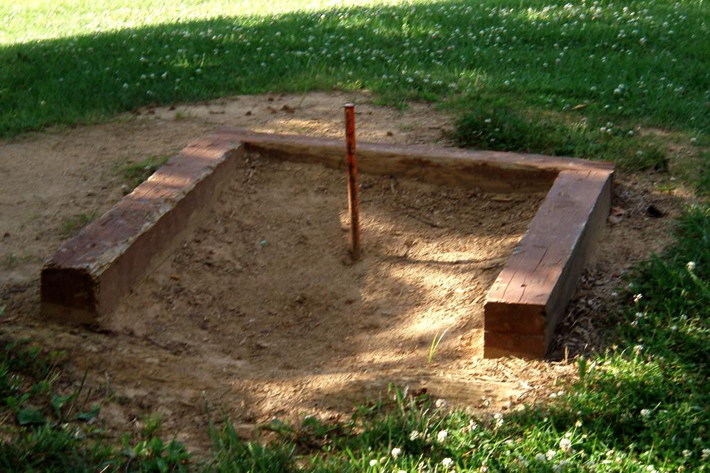 Build A Horseshoe Pit Plans