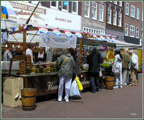 Hollandse Nieuwe @ the market | by Eber&Mars