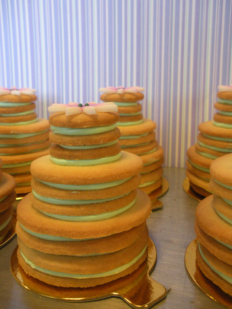 make stacked wedding cake cookies stacked wedding cake cookies part of a dessert table for 16993