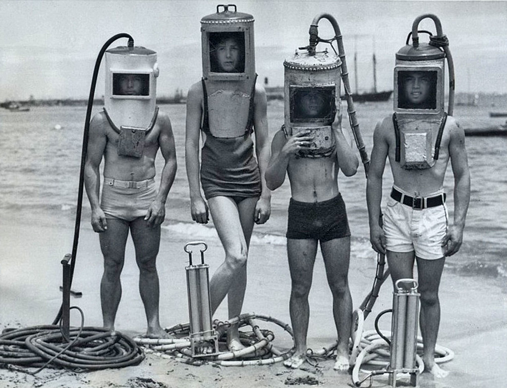 Four do it yourself divers see the rest of the retro flickr four do it yourself divers by x ray delta one solutioingenieria Images