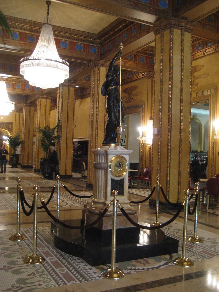 Roosevelt Mystery Lady Clock