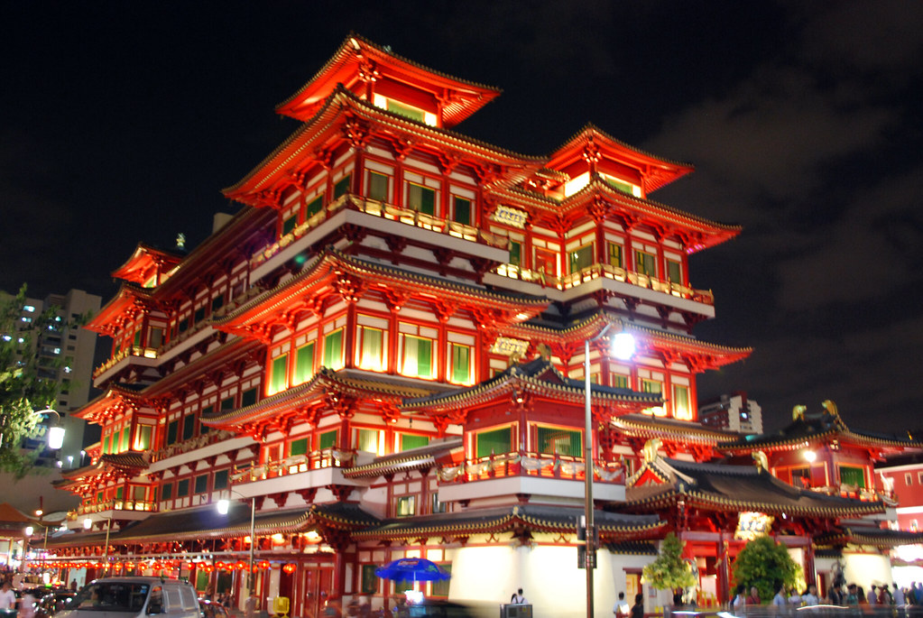 Buddha Tooth Relic Temple at night, Chinatown, Singapore ... Buddha Tooth Relic Temple And Museum