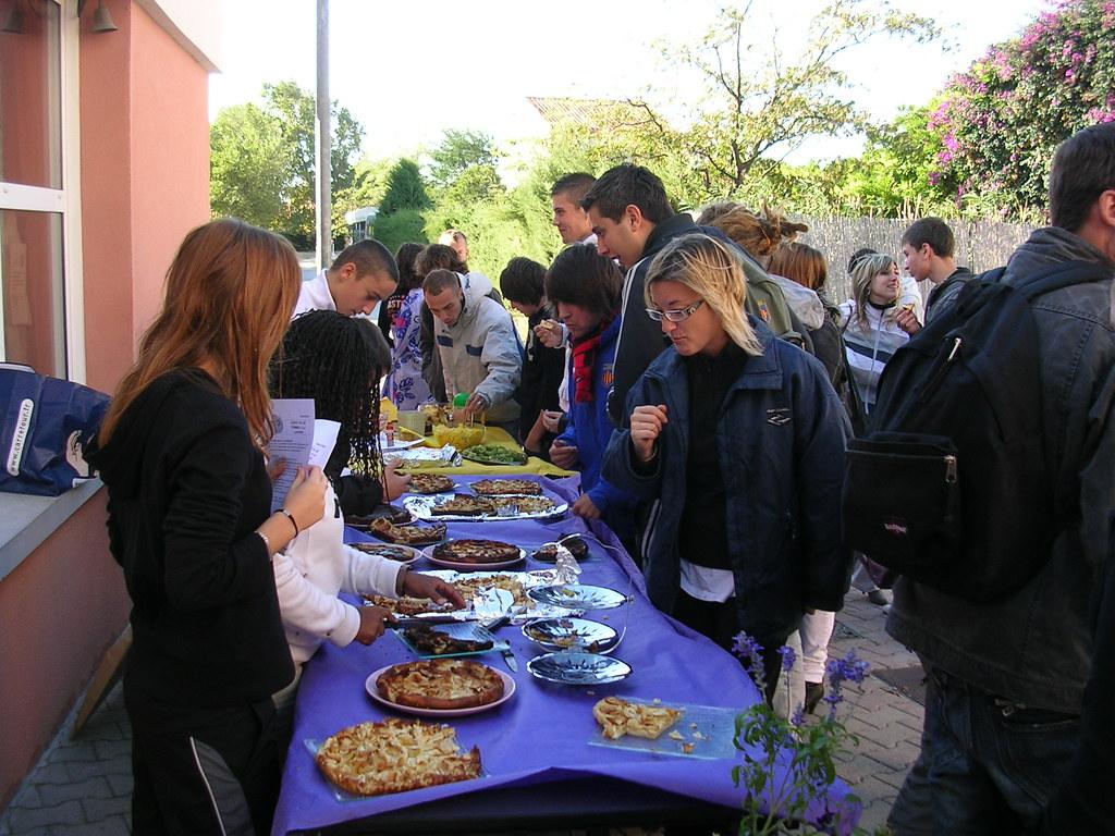 Semaine du gout 2009 stand de d gustation tenu par les for Stand de degustation