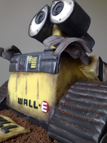 Close-up on WALL-E | by SmallThingsIced