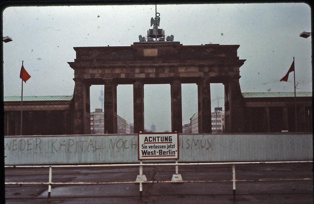 brandenburg gate 1989 - photo #32