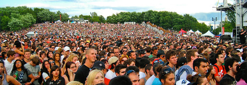 Concert Crowd (Osheaga 2009) - 30000 waiting for Coldplay | by Anirudh Koul