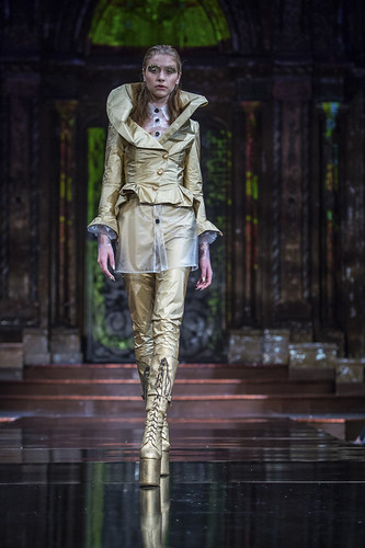 Sheguang Hu Fall 2017 Ready-to-Wear