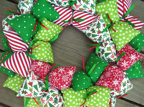 Christmas Fabric Wreath Quot Pillows Quot Of Fabric Attached To