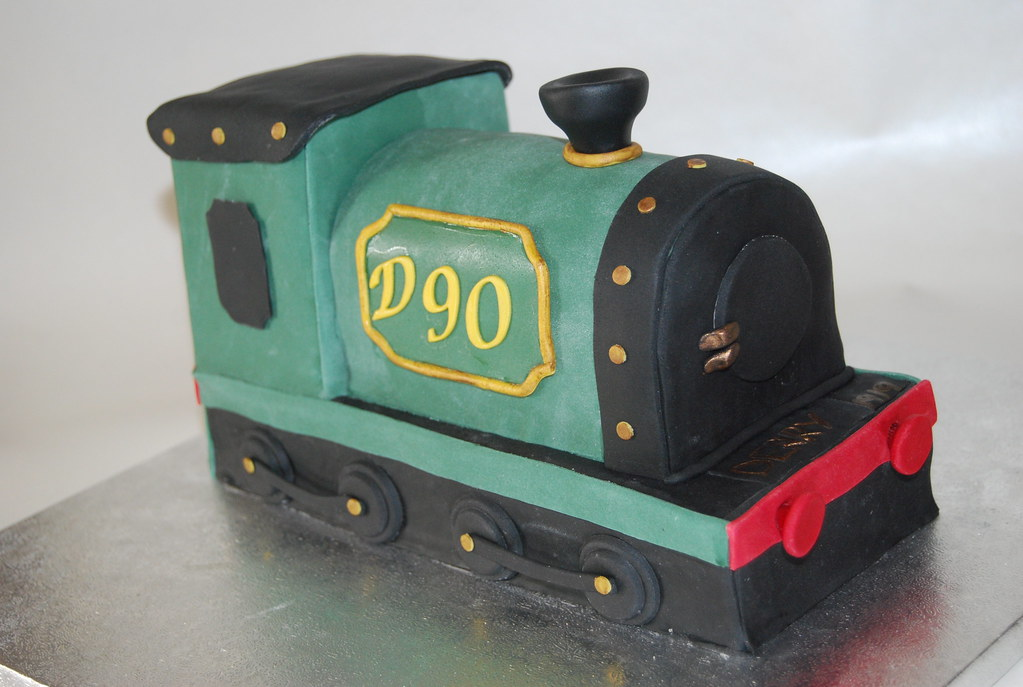 90 VINTAGE TRAIN BIRTHDAY CAKE