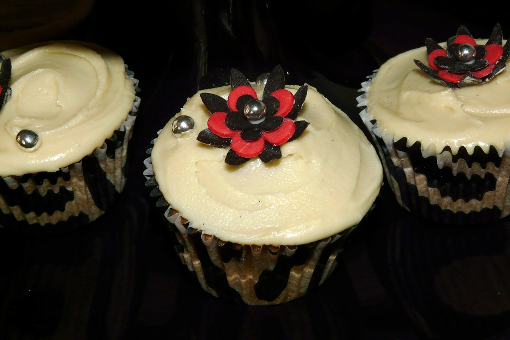 White Russian Cupcakes Using Cake Mix