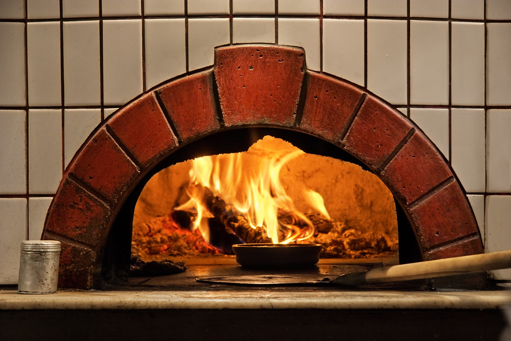 Old Fire Brick : Brick oven and open cooking fire i love the food that