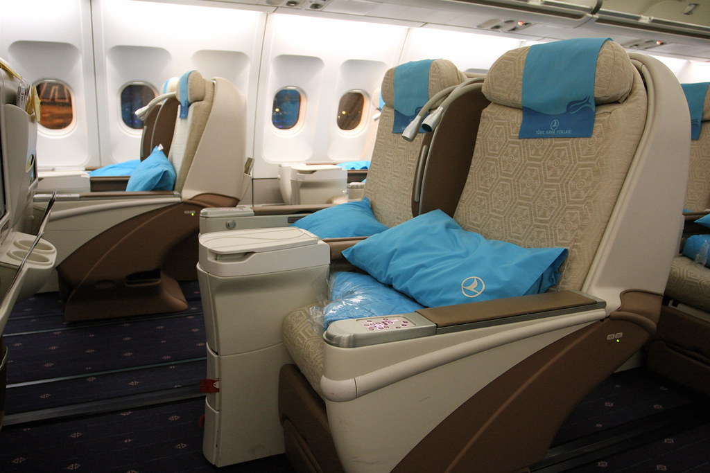 turkish airlines business class a340 300. Black Bedroom Furniture Sets. Home Design Ideas