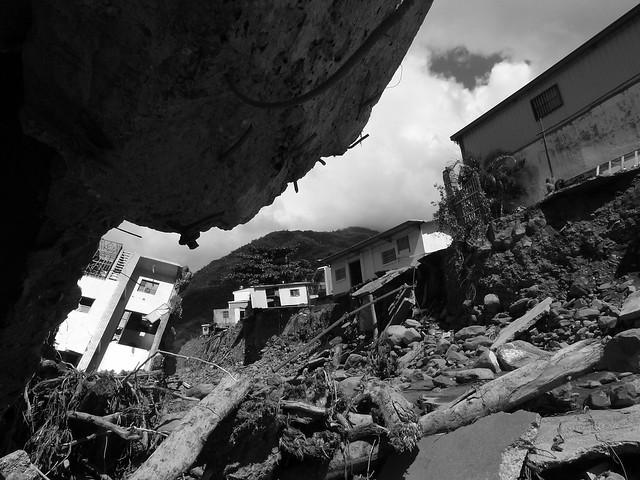 山河劇變,八八風災後的台東金峰鄉嘉蘭村。圖片來源:台東影像行腳。(CC BY-NC 2.0)