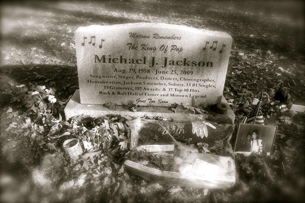 Michael Jackson Gravestone Michael Jackson Grave ...