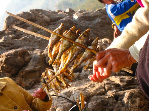Fish on a stick villagers selling fish on a stick to for Fish on a stick