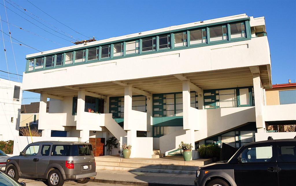 Lovell Beach House | The Lovell Beach House in Newport