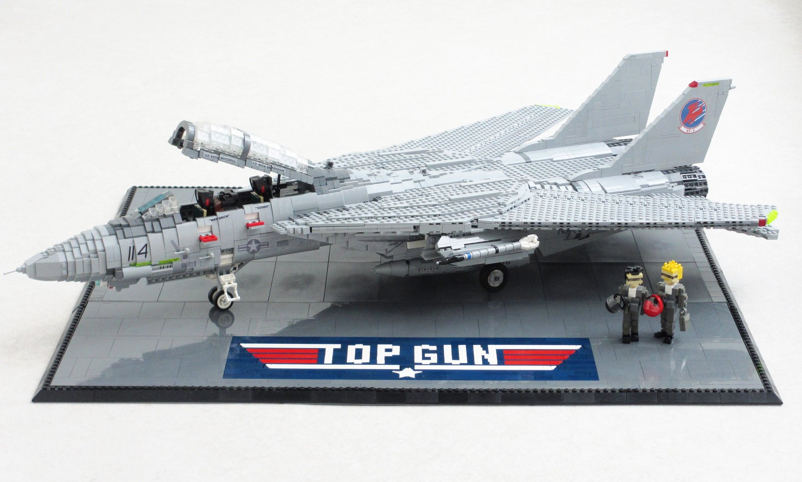Top Gun display