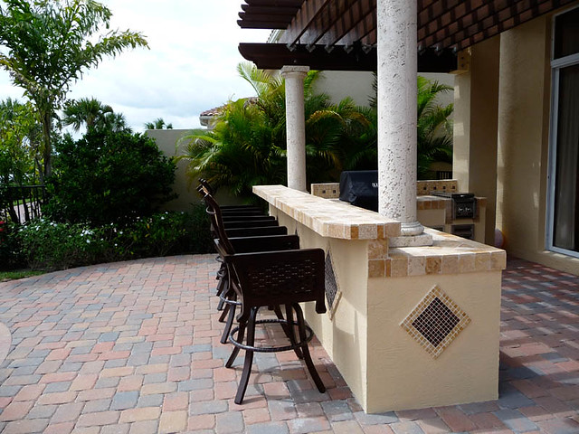 Patio bar built in grill pergola luxor grill built in to for Balcony grill and bar