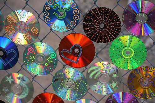 Украшения из дисков своими руками