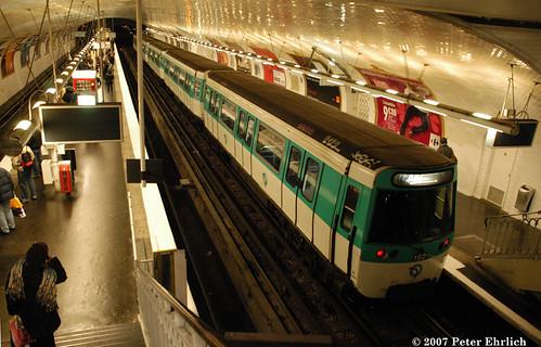 Paris m7 m30383 at porte d 39 ivry sb a southbound train - Metro porte d ivry ...
